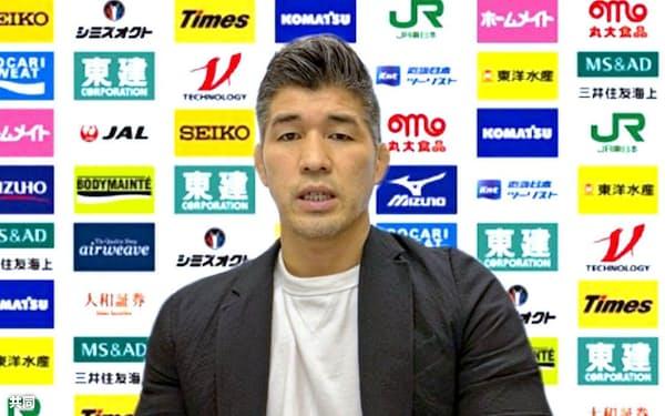 オンラインで取材に応じる柔道日本男子の井上康生監督(10日)=共同