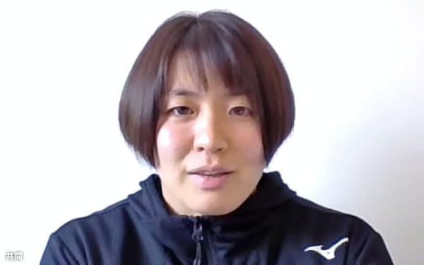オンラインで取材に応じる柔道女子63キロ級の田代未来(20日)=共同