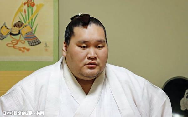 伊勢ケ浜部屋からオンラインで記者会見する照ノ富士(26日、東京都江東区)=日本相撲協会提供・共同