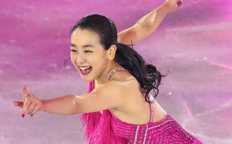 「サンクスツアー」の最終公演で演技する浅田真央さん(26日、横浜アリーナ)=共同