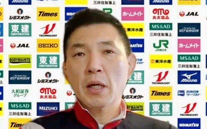 オンライン取材に応じる柔道日本女子代表の増地克之監督(10日)=共同