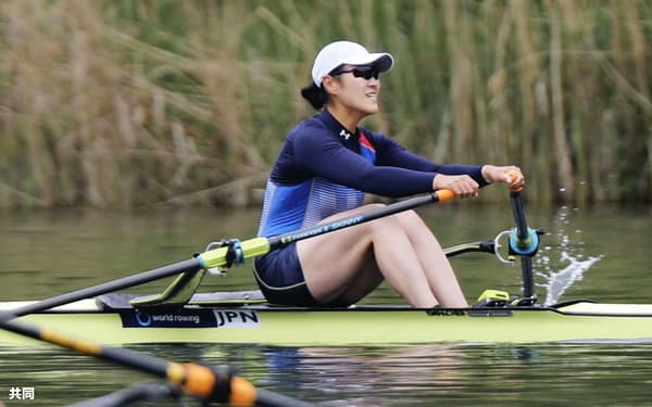 女子シングルスカル予選で1組1着となり、決勝に進出した米川志保(15日、ルツェルン)=共同