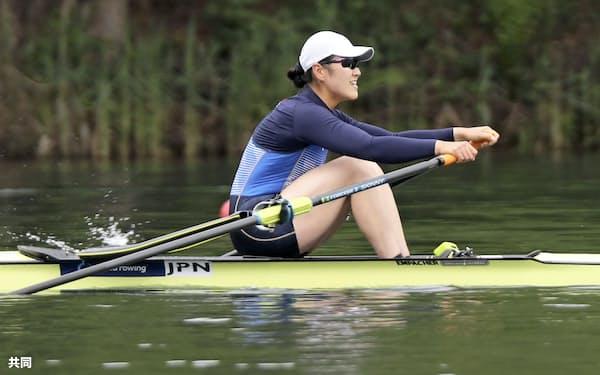 女子シングルスカルで決勝に進んだ米川志保(15日、スイス・ルツェルン)=共同