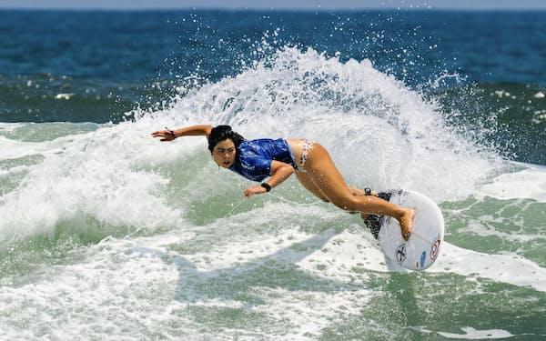 女子で9位となり、東京五輪出場権を獲得した都筑有夢路(5日、エルサルバドル)=ISA提供・共同