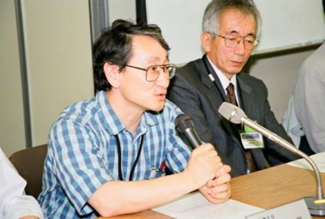 「はやぶさ」は2003年5月9日に打ち上げられた(左が川口氏)