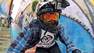 ヘルメットに装着したGoPro