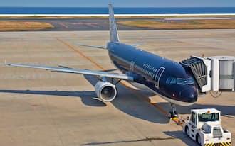 スターフライヤーは運航路線組み替えなどで安定的な利益を確保し、今期の最終黒字転換をめざす(北九州市の北九州空港)