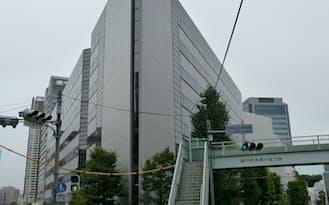 ビルのてっぺんにあった「SONY」のロゴは取り外されていた(東京都品川区のソニー前本社ビル)