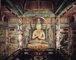 極楽世界を表現したという西明寺三重塔の初層内部(滋賀県甲良町)=西明寺提供