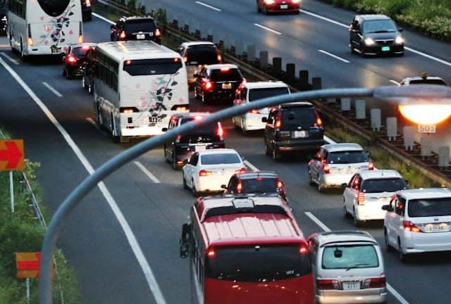年末年始、マイカーでお出かけの方は渋滞に注意したい