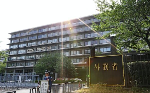外務省の幹部は「不利益が生じた企業が救済されないなら、韓国政府に賠償請求する」と語る