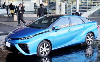 トヨタ自動車の燃料電池車「MIRAI(ミライ)」(18日午前、東京都江東区)