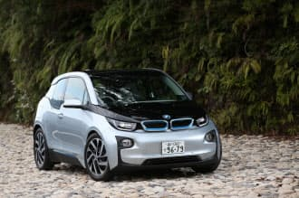 BMWが日本で発売する電気自動車(EV)「i3」。