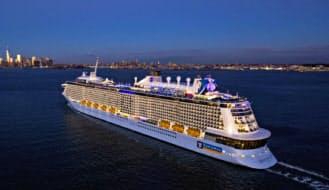 米クルーズ大手ロイヤル・カリビアン・クルーズが公開した最新豪華客船「クァンタム・オブ・ザ・シーズ」。来年5月からは中国・上海に常駐し、アジア市場で活躍する
