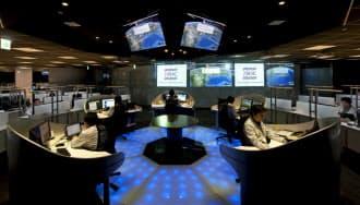 ラックの監視センター「JSOC」の全景