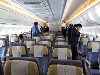 エアバスの標準仕様では、エコノミークラスは横9列。ボーイング777と同じだが、「1席あたりの横幅は777より広い」(エアバス)とする