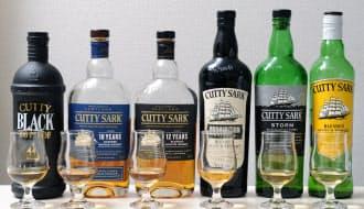 教室で使った6種類のブレンデッドウイスキー=写真 岡村 享則