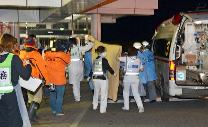 41人重軽傷、住宅全壊34棟に 長野北部地震: 日本経済新聞