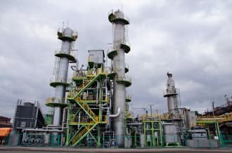 新日鉄住金室蘭製鉄所に設置された二酸化炭素分離・回収装置(北海道室蘭市)