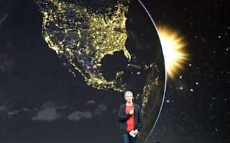 開発者会議「グーグルI/O」で、新たな挑戦について説明するラリー・ペイジCEO(写真=米ベンチャークレフ)