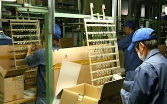 東京都大田区のメッキ加工会社、新日東電化では「スマートメーター」用部材の生産が本格化している