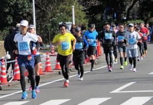 青島太平洋マラソンには約9000人がエントリーした