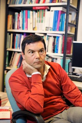 パリ経済学校と仏社会科学高等研究院の教授。「21世紀の資本」(邦訳・みすず書房)が世界的なベストセラーに。43歳。