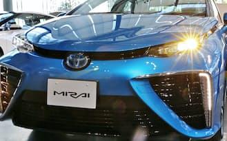 トヨタ自動車の燃料電池車「MIRAI(ミライ)」(東京都江東区)
