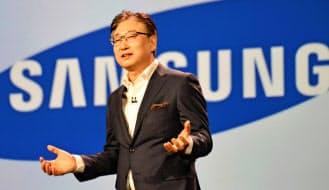 米ラスベガスで基調講演する韓国サムスン電子の尹富根社長兼最高経営責任者(5日)=共同