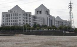 国会議事堂を模した大阪工大のキャンパス(大阪府枚方市)