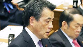 19日、衆院予算委で質問する民主党の岡田代表