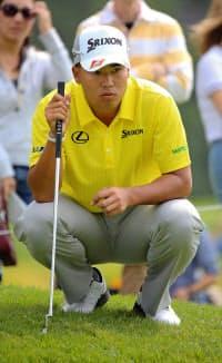 米男子ゴルフのノーザントラスト・オープン第2ラウンド、暫定26位に後退した松山英樹(20日、リビエラCC)=共同