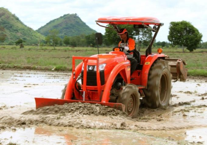 耕し 方 トラクター