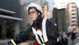 集配や営業で外を回る日本郵便の五十嵐義夫さん(東京都豊島区)