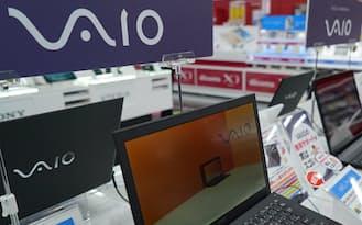 パソコンだけでなく、スマートフォンにも「VAIO」ブランドが登場する(東京都内の家電量販店)