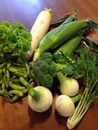 帰宅すると、いただきものの新鮮野菜が玄関にどっさりあることも