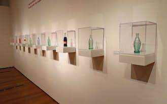 コーク・ボトル100年の変遷を体感できる特別展が始まった(米ジョージア州アトランタのハイ美術館)