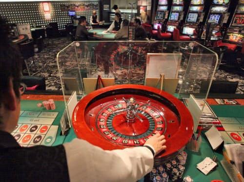 東京都渋谷区の「アドアーズ渋谷 addict(アディクト)ではゲームセンターの一角でカジノを疑似体験できる