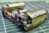 日立GEニュークリア・エナジーが公開した東京電力福島第1原発の1号機格納容器内部を調査する形状変化型ロボット(茨城県日立市)