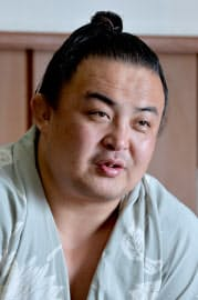 中国内モンゴル自治区で生まれ育った初の関取となった