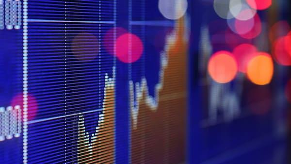 じり高続く株式相場 マクロ指標とはギャップ