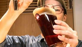 常陸野ブルーイング・ラボでは約10種類のクラフトビールが楽しめる(東京都千代田区)