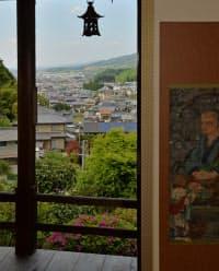 小高い山裾にある聖林寺からは奈良盆地や三輪山などが見える