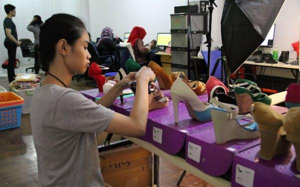 インドネシアではネット通販の市場規模が急拡大している(ジャカルタにあるECサイト「VIPプラザ」の自社スタジオ)