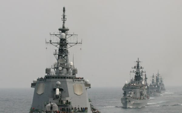 自衛隊観艦式(2006年10月、神奈川県沖の相模湾)