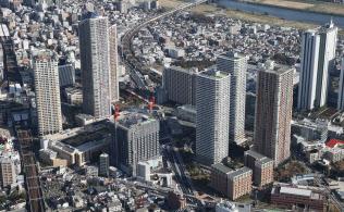 そびえ立つマンション(川崎市中原区)