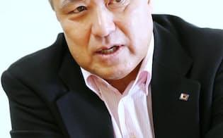 インタビューに答えるFIFA理事に就任した日本サッカー協会の田嶋幸三副会長(1日、東京都文京区)