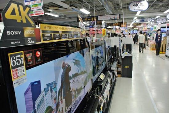 2015年10~12月期はテレビやパソコンなどの電化製品の売り上げが低調だった(都内の家電量販店)