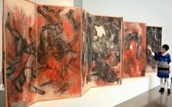 米アメリカン大学美術館に展示される「原爆の図」(ワシントン)