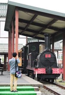 丹後ちりめんなどを運んでいた加悦鉄道の蒸気機関車